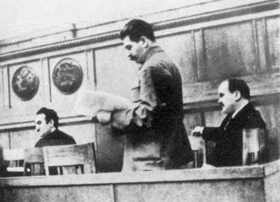 Mikoyan-Stalin-molotov-1935